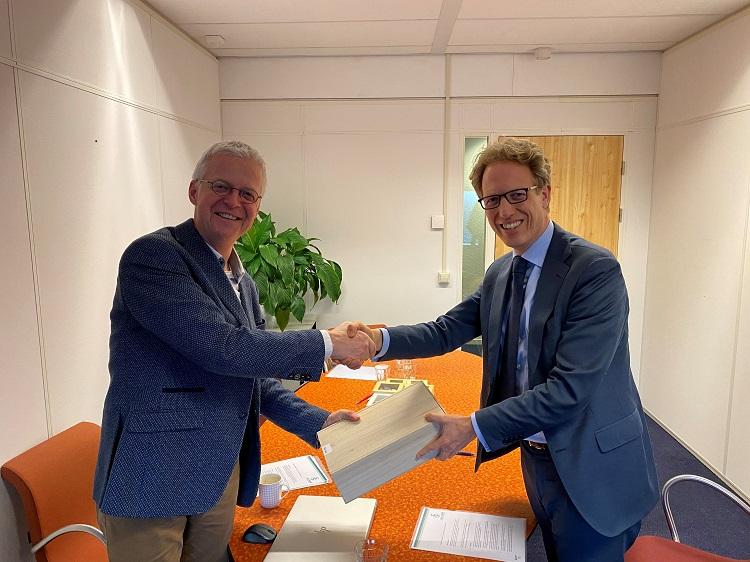 Gertjan Beens, voorzitter NVAB en Gijsbert van Lomwel